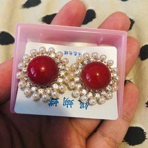 Flower earrings NWT!
